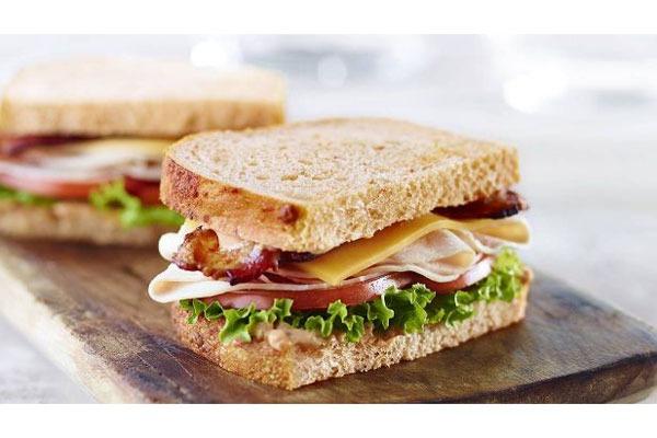 panera bacon turkey sandwich