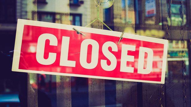 Closed sign door