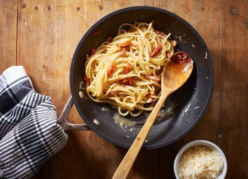 spaghetti with sauce in pan
