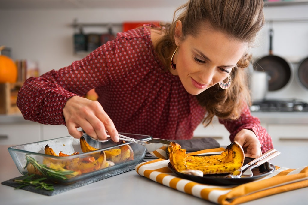 Looking at thanksgiving food