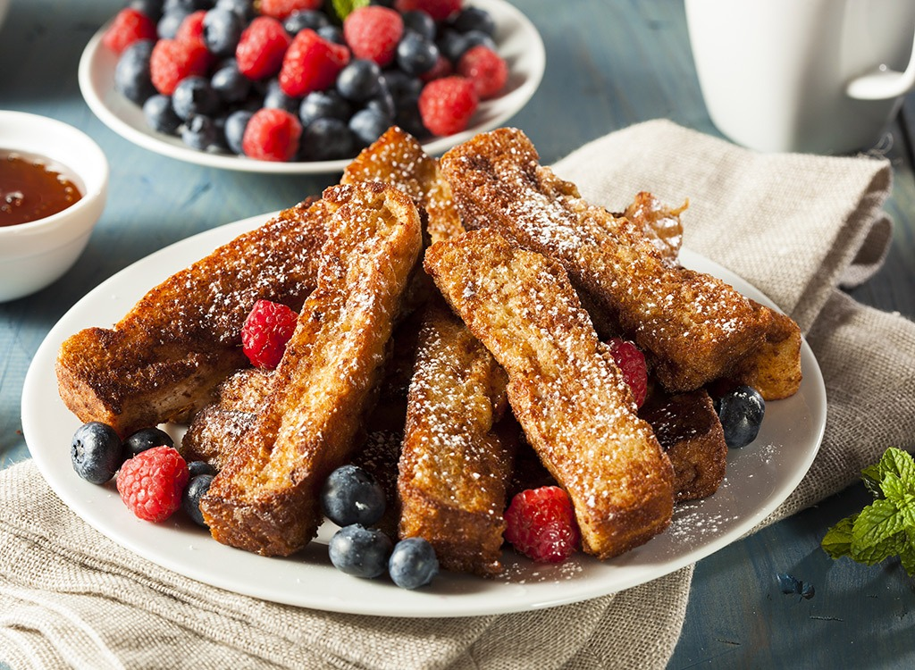 french toast sticks and berries