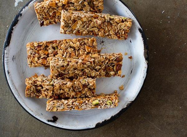 mango & coconut granola bars