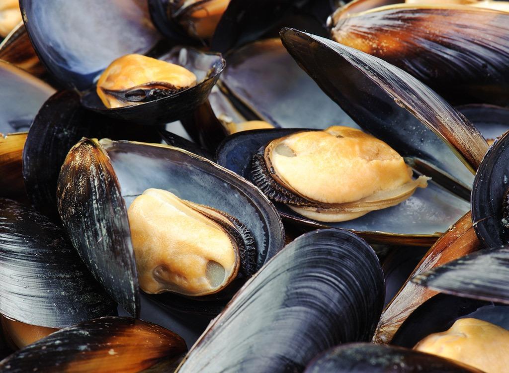anti-depression foods - mussels