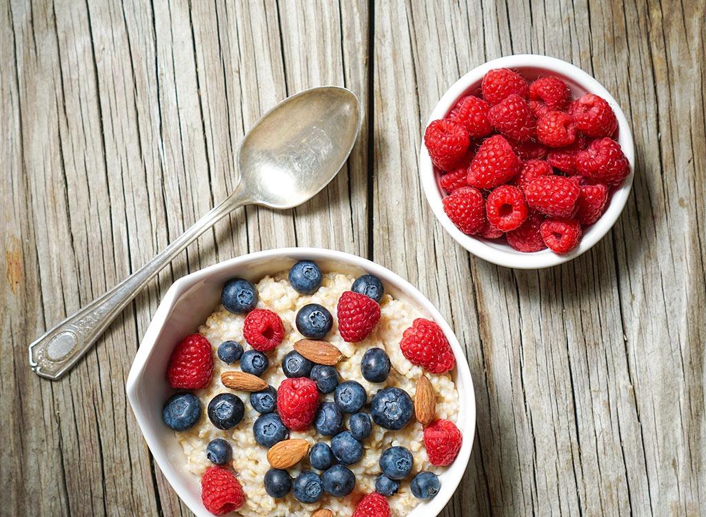 Frozen Oatmeal Cups berries
