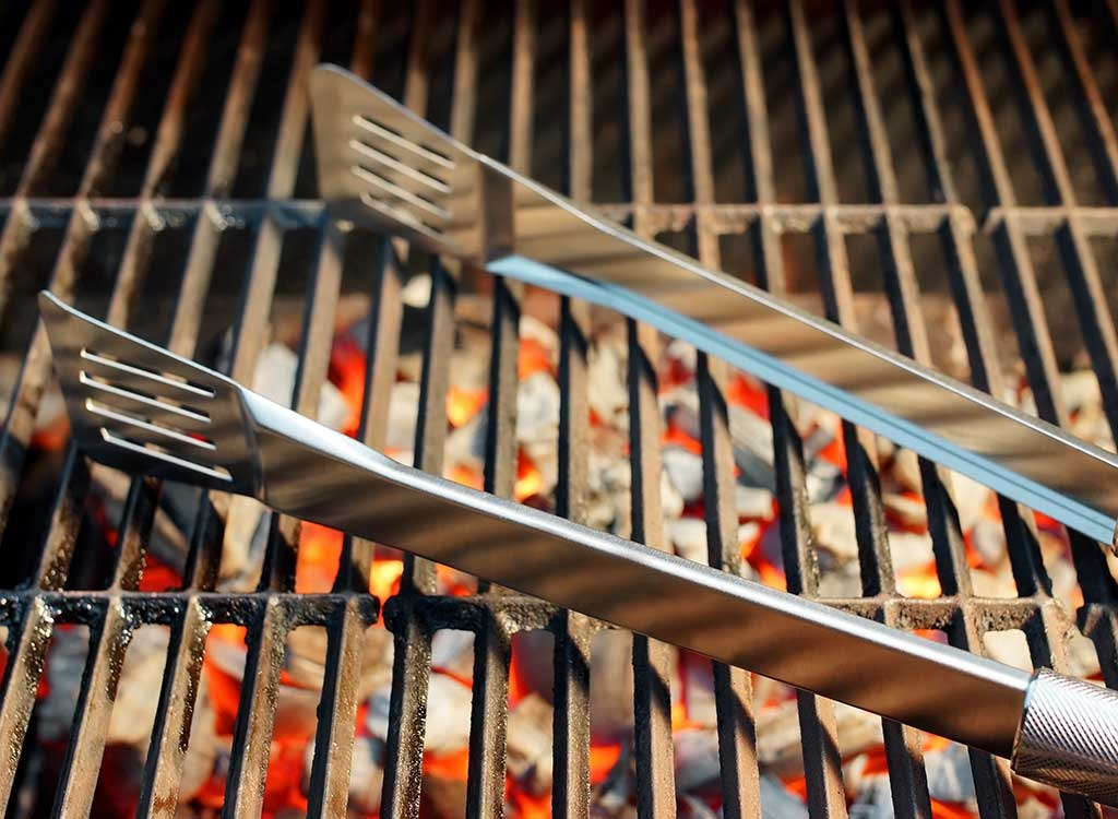 Tongs for grilling