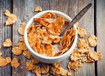 Cereal flakes in a bowl