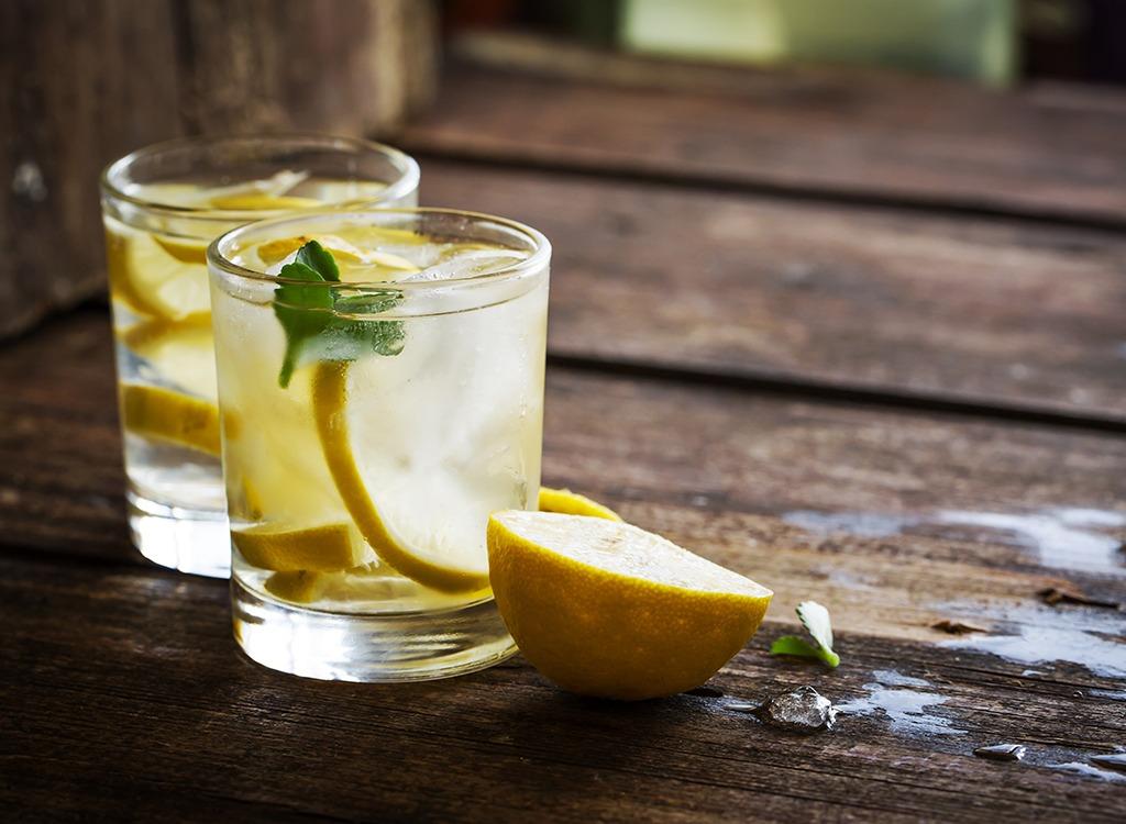 detox lemon water