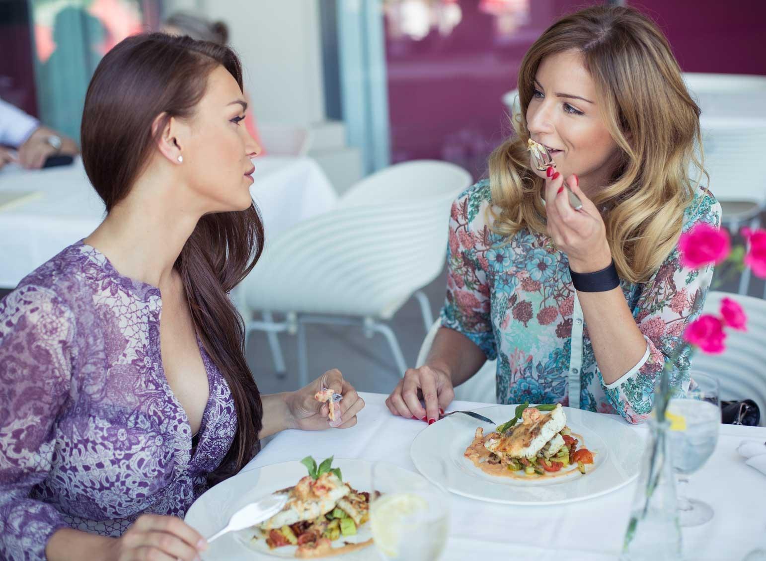 women eating lunch