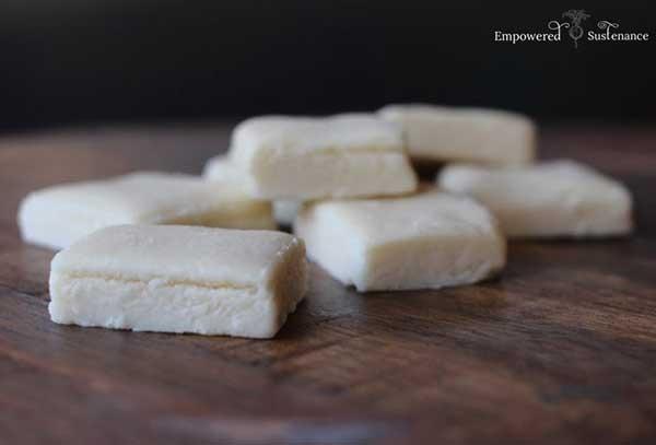 31. Cake Batter Collagen Protein Bars