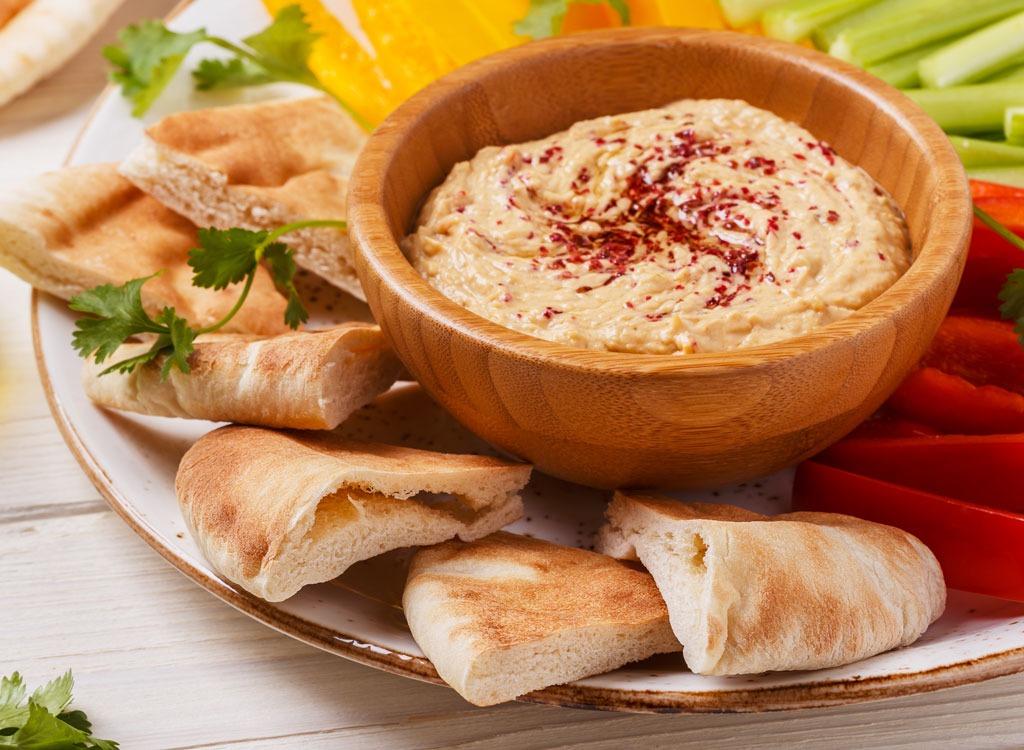 Hummus veggies pita