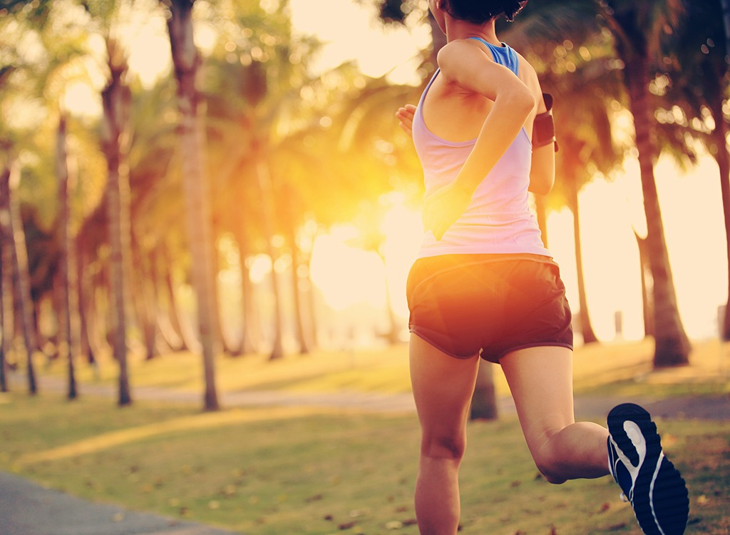 weight loss tips from experts - woman running outside