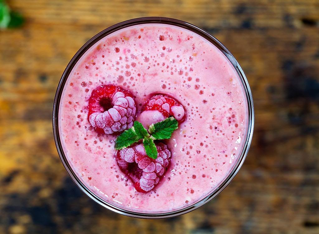 raspberry yogurt smoothie