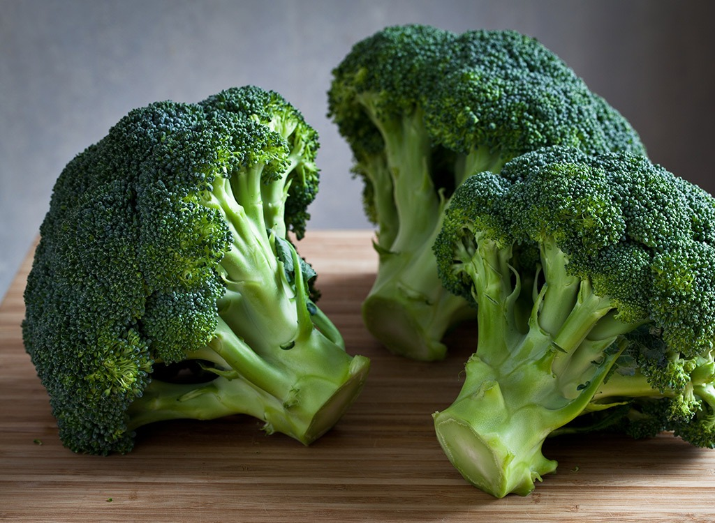 Broccoli - muscle building foods