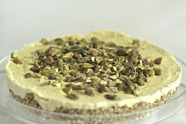 raw turmeric, cardamom and pistachio cheesecake
