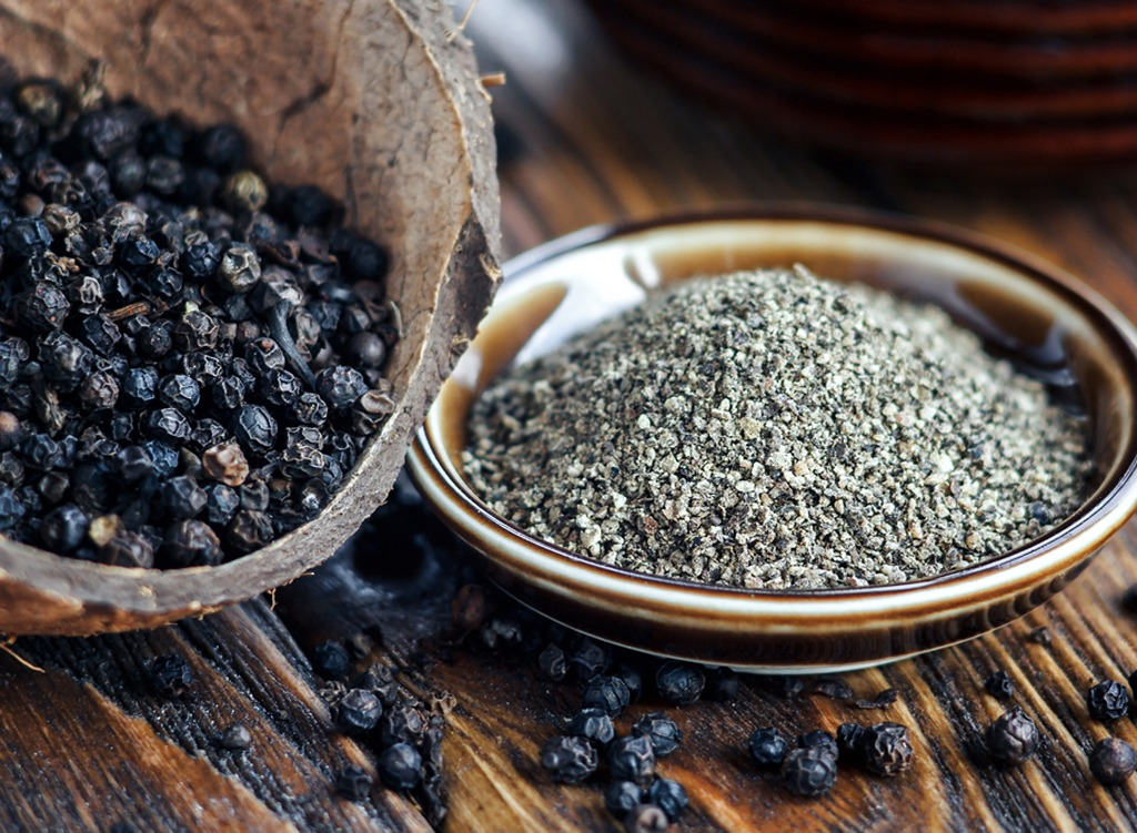 Black pepper - healthy breakfast for weight loss