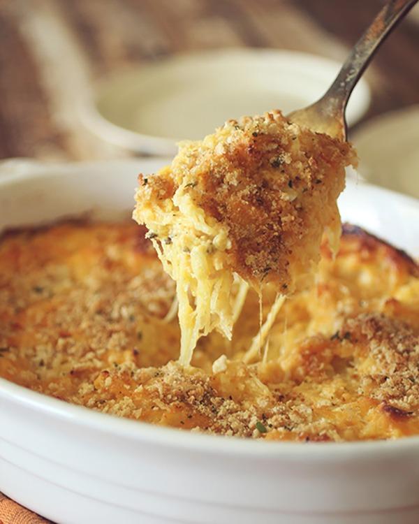 spaghetti squash baked mac and cheese