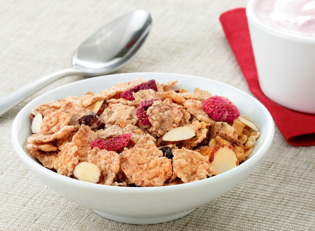 Cereal with almonds