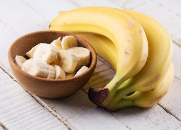 Whole and sliced bananas