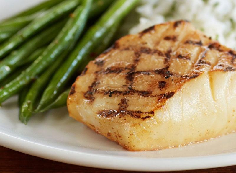 Sea bass asparagus plate