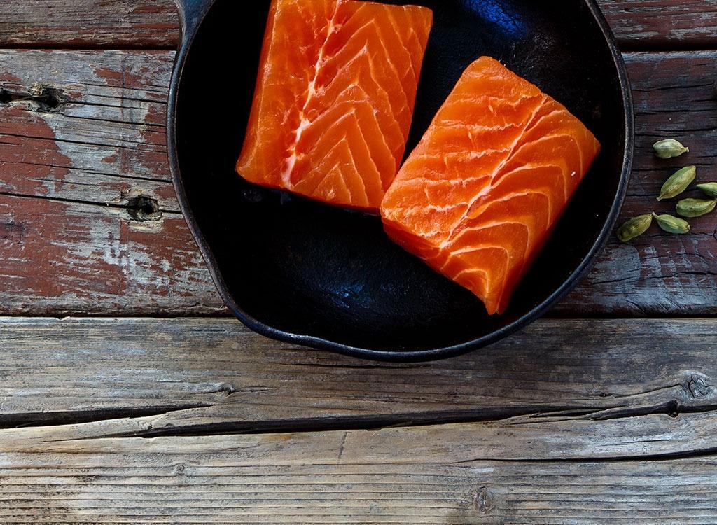 Salmon filets - foods that stop sugar cravings