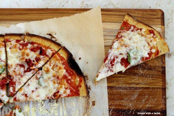 Flourless pizza plaintains