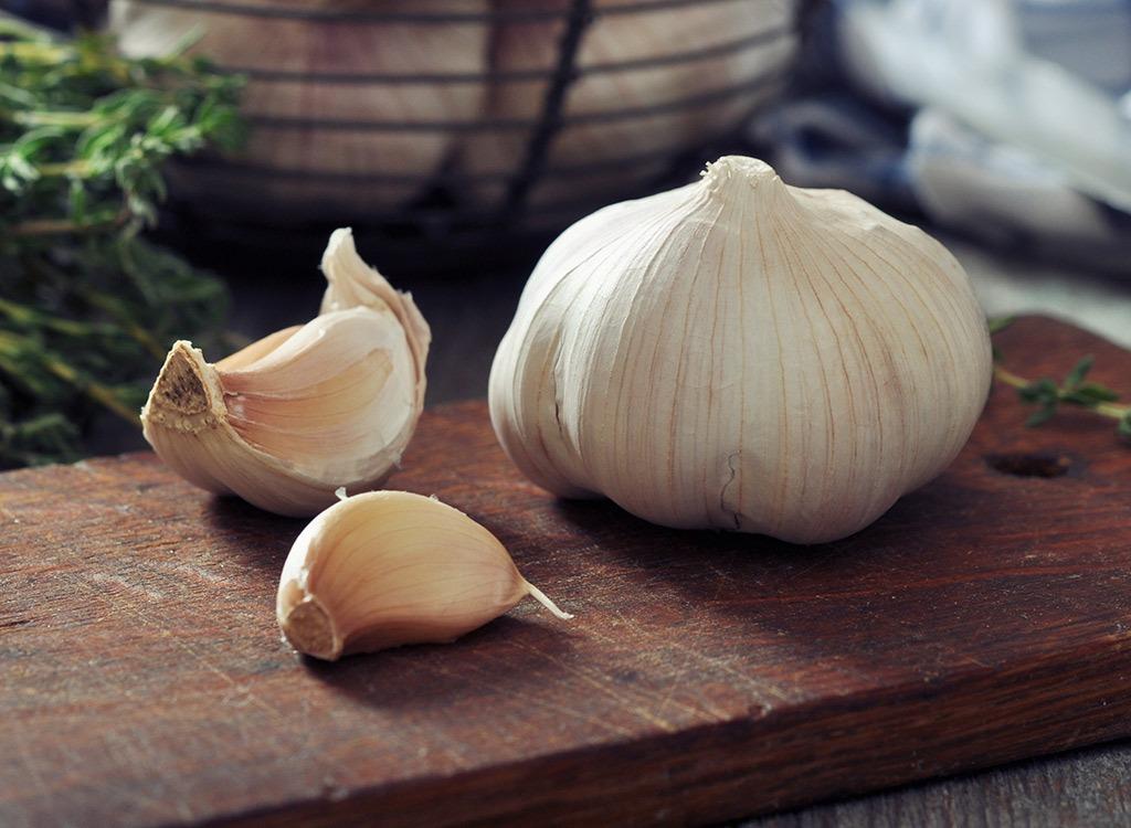 Garlic - best foods for gut health