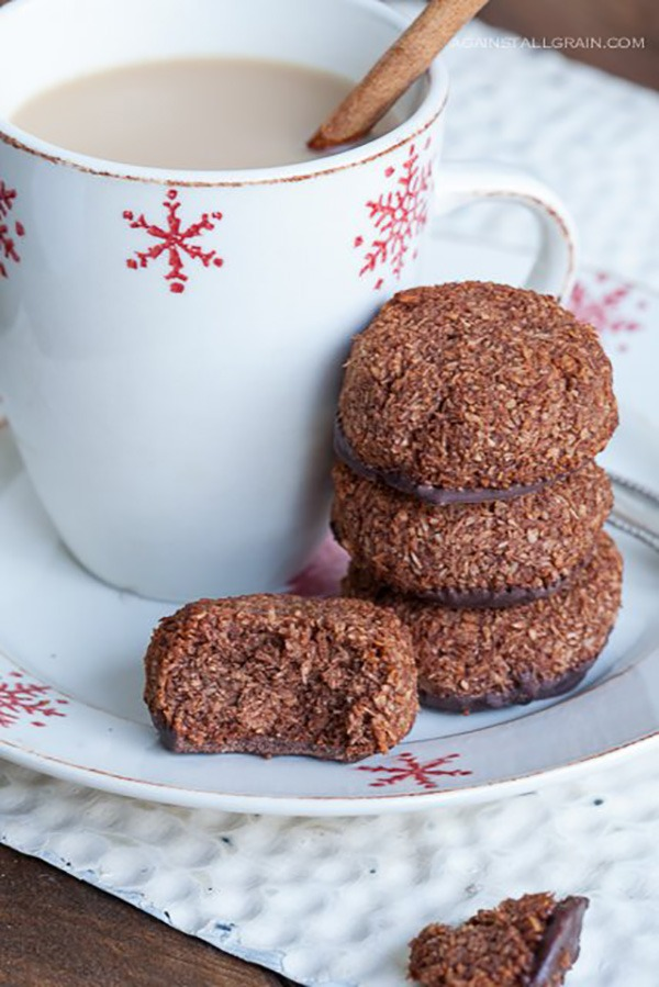 Peppermint Chocolate Macaroons
