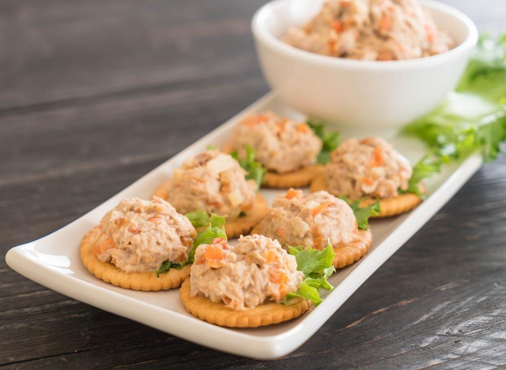 Tuna fish crackers