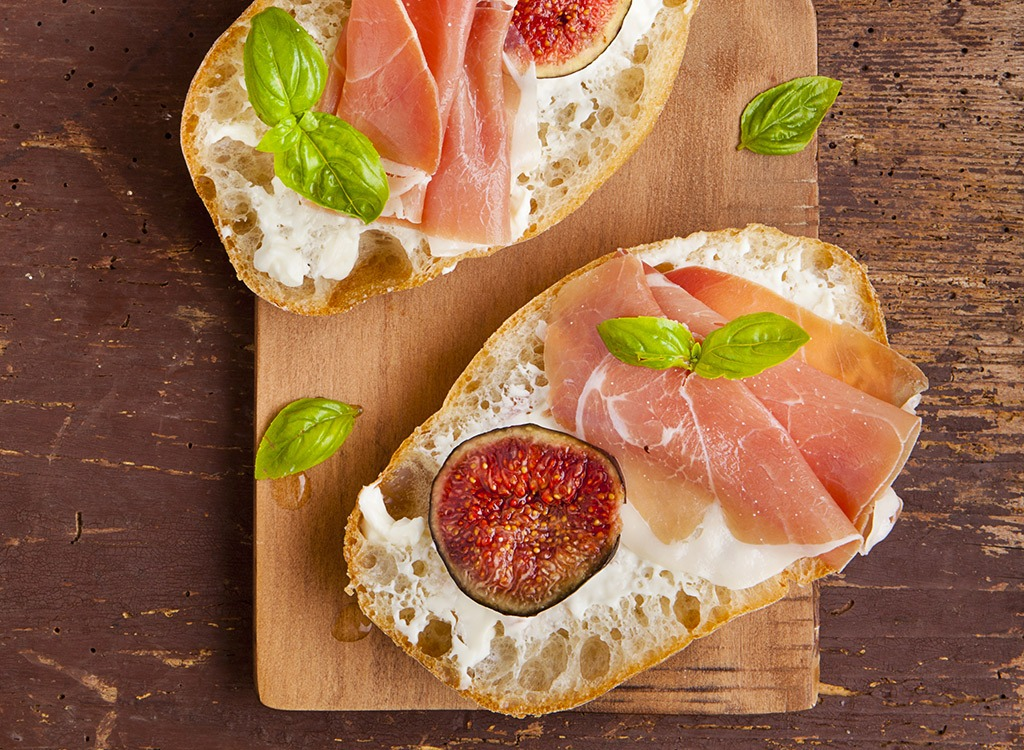 Cured meat sandwich