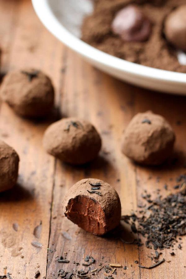DARK CHOCOLATE EARL GREY TRUFFLES